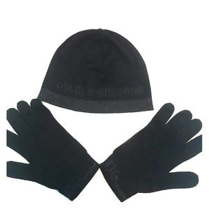 AUTHENTIC Dolce and Gabbana wool hat and gloves